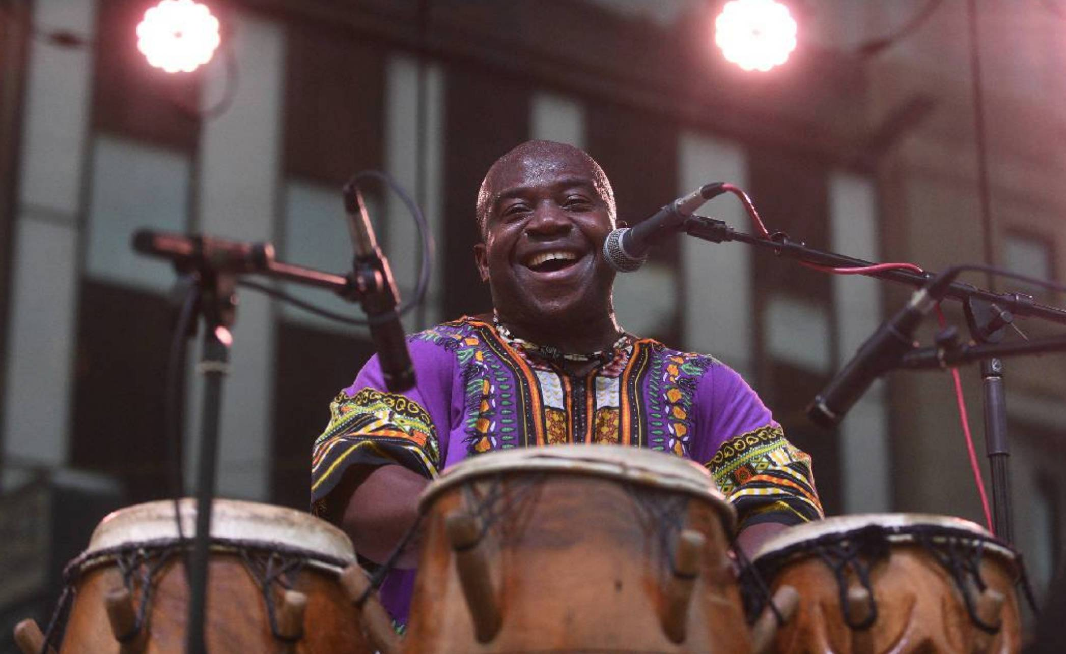 Live Music w/ Kofi Mowuko