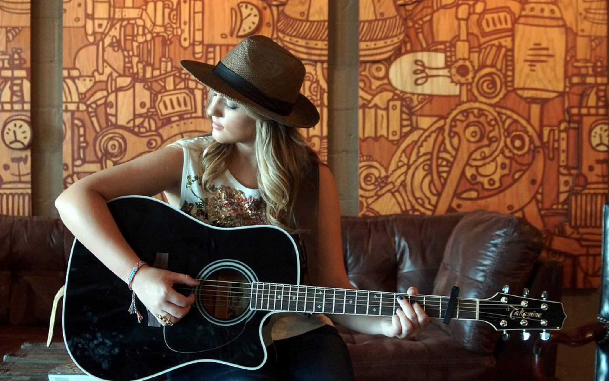 Live Music w/ Courtney Holder