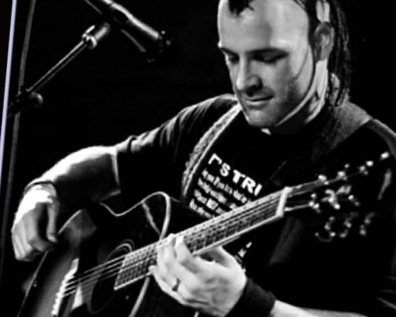 Michale Graves Punk Acoustic Art Show