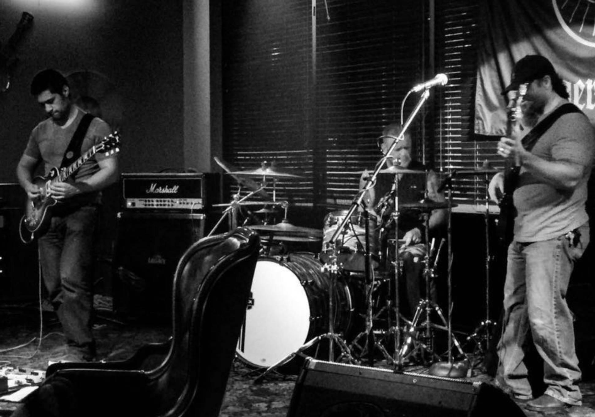 Live Music w/ Buck'd Up