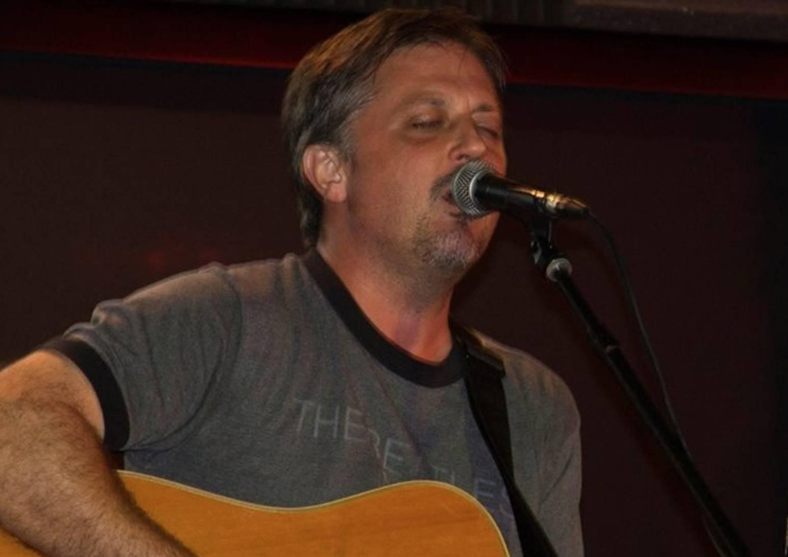 Live Music w/ Dwayne Beasley