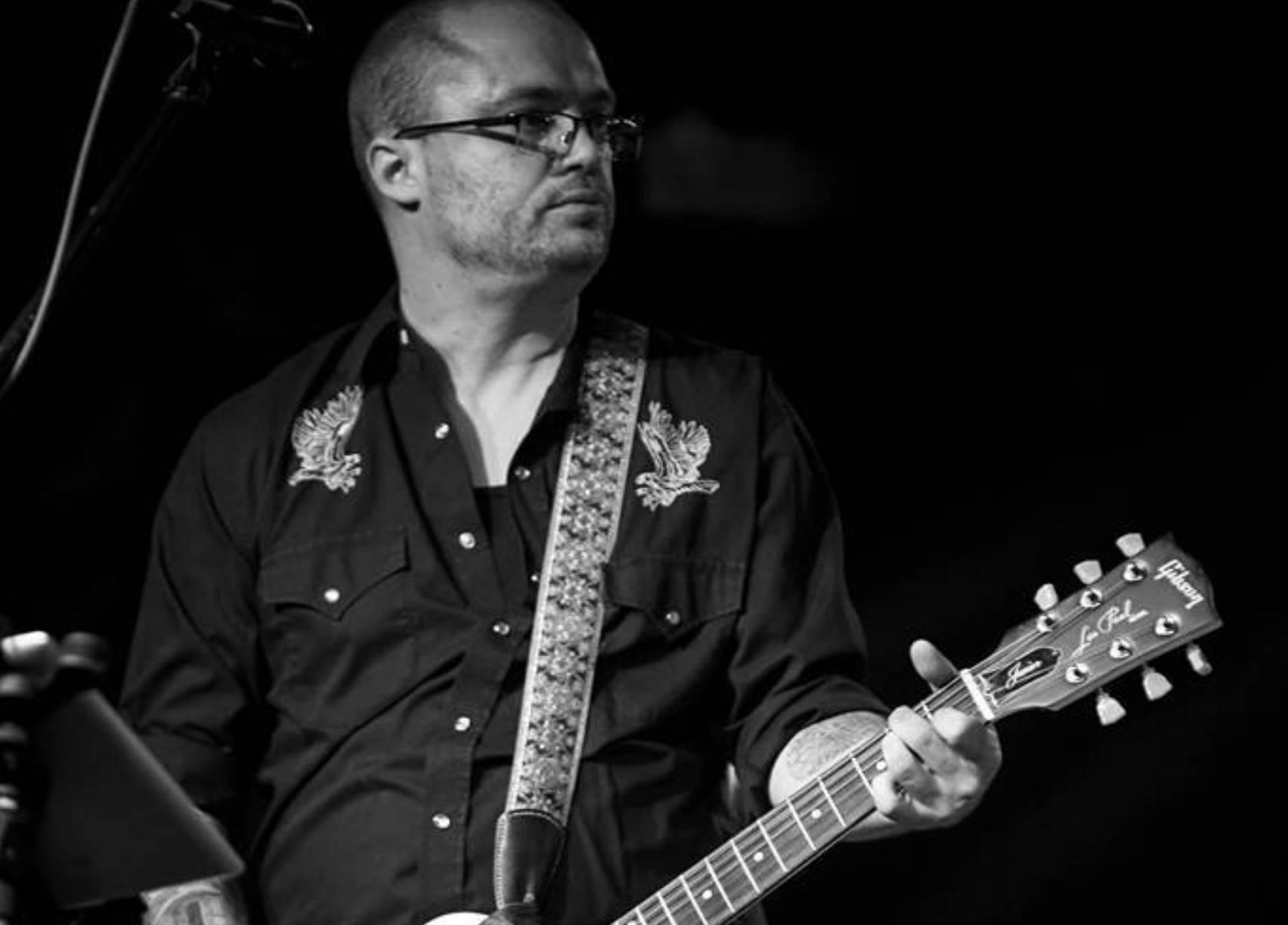 Live Music w/ Jordan Hallquist