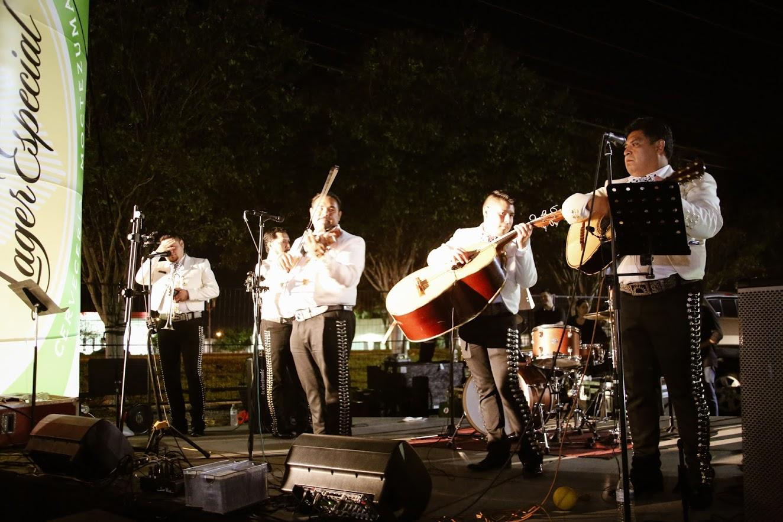 Live Music w/ Mariachi