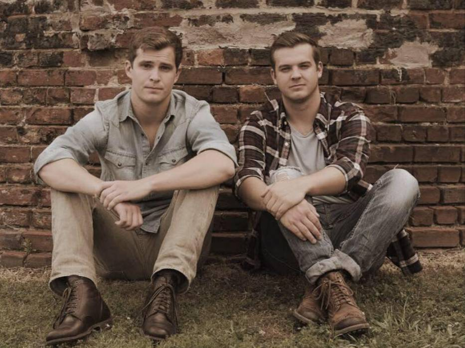 Live Music with Beasley Brothers & Stacy Mitchhart