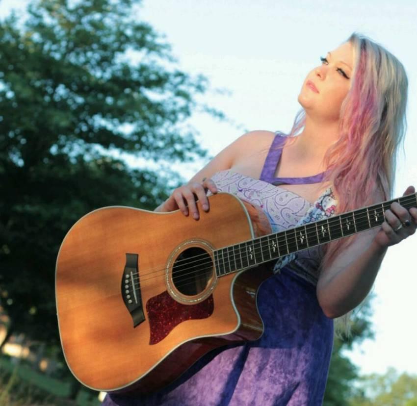 Live Music w/ Cheryl Llewellan