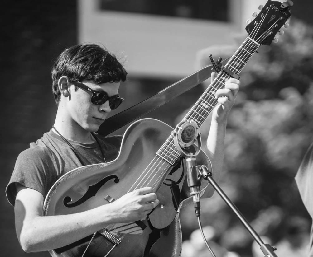 Live Music w/ Eli Fox