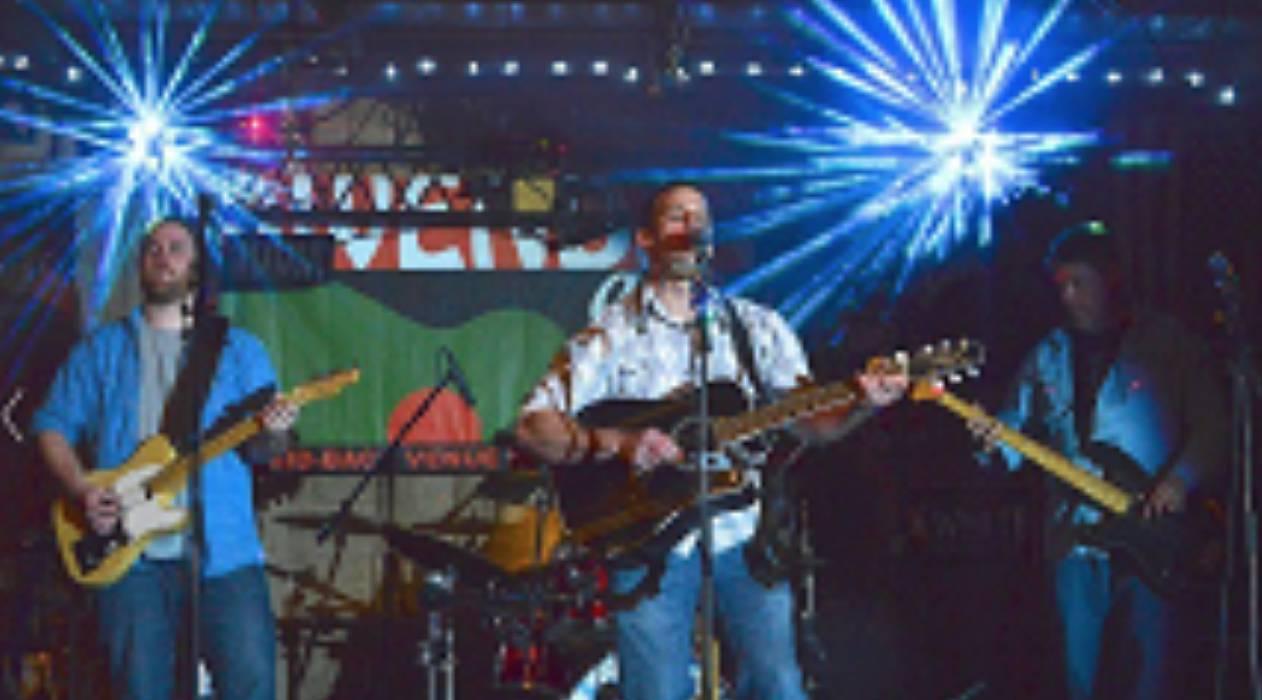 Live Music w/ The Fustics