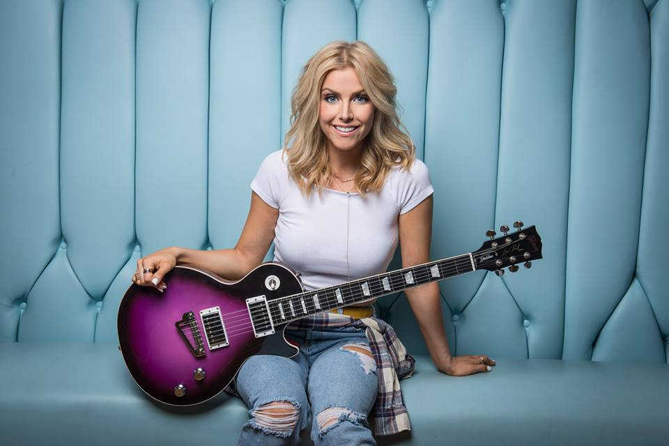 Live Music with Lindsay Ell