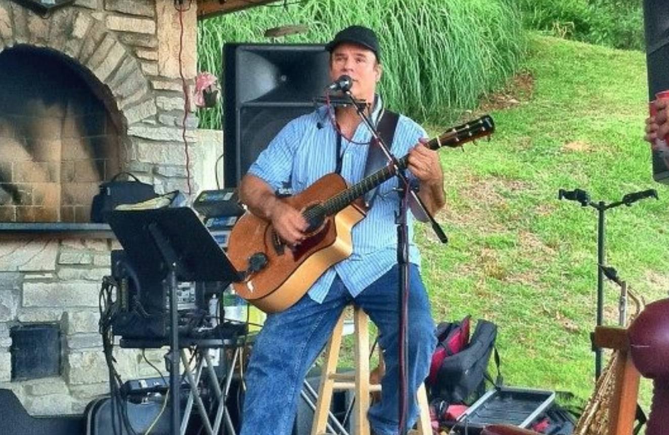 Live Music w/ Jerry Fordham