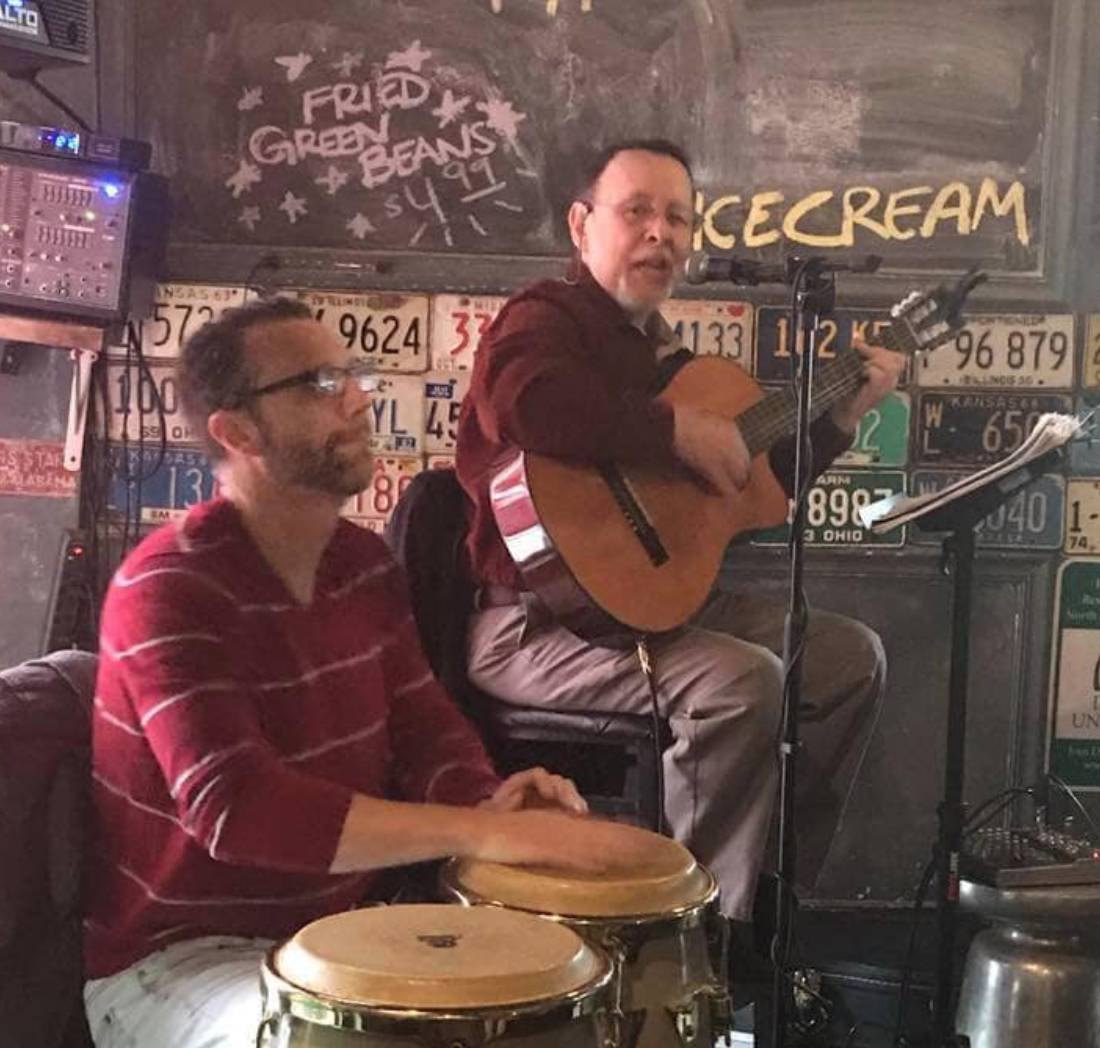 Live Music w/ Holguer y sus Broken Corazones