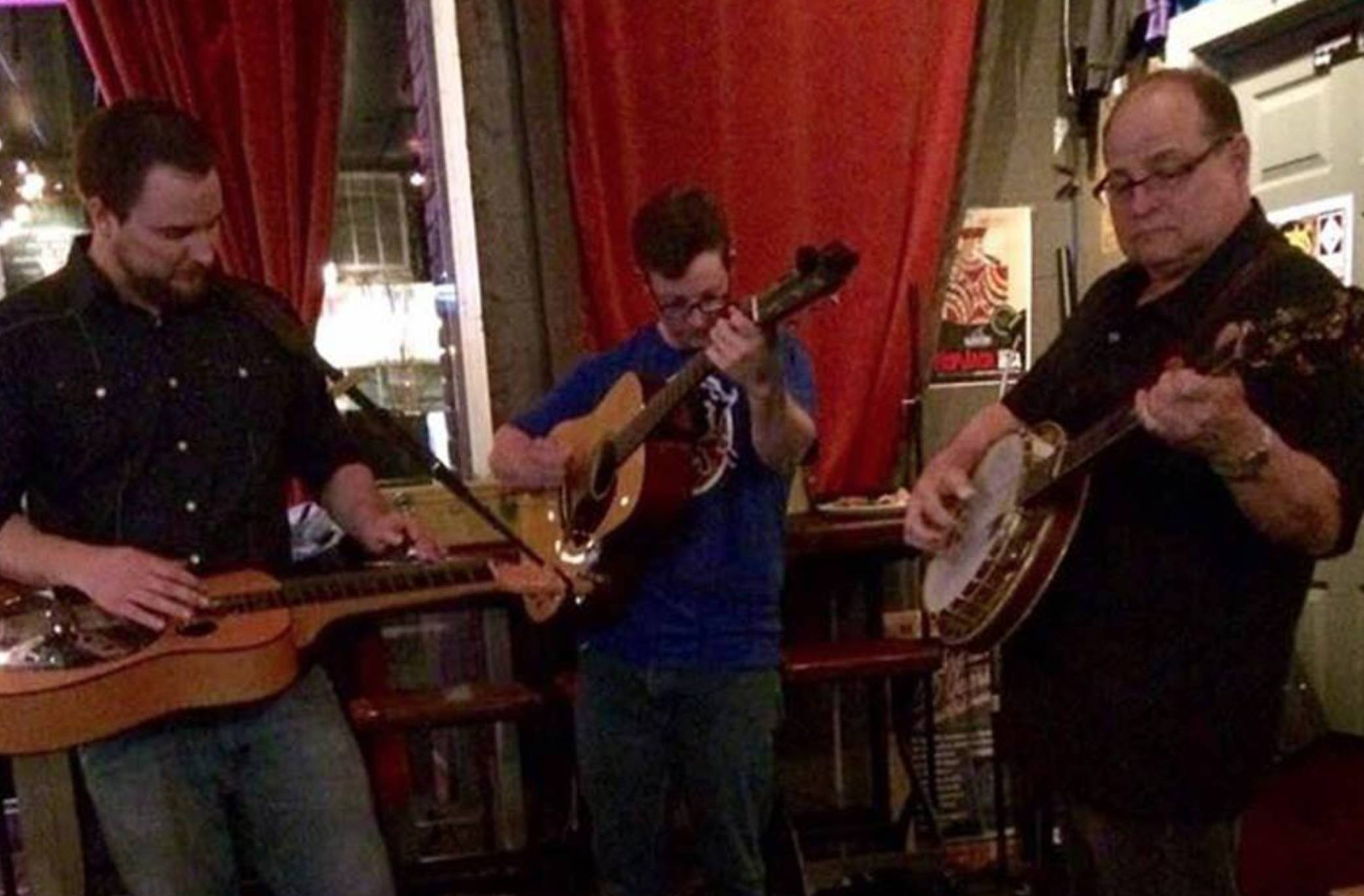 Live Bluegrass w/ Chris Capp & Friends