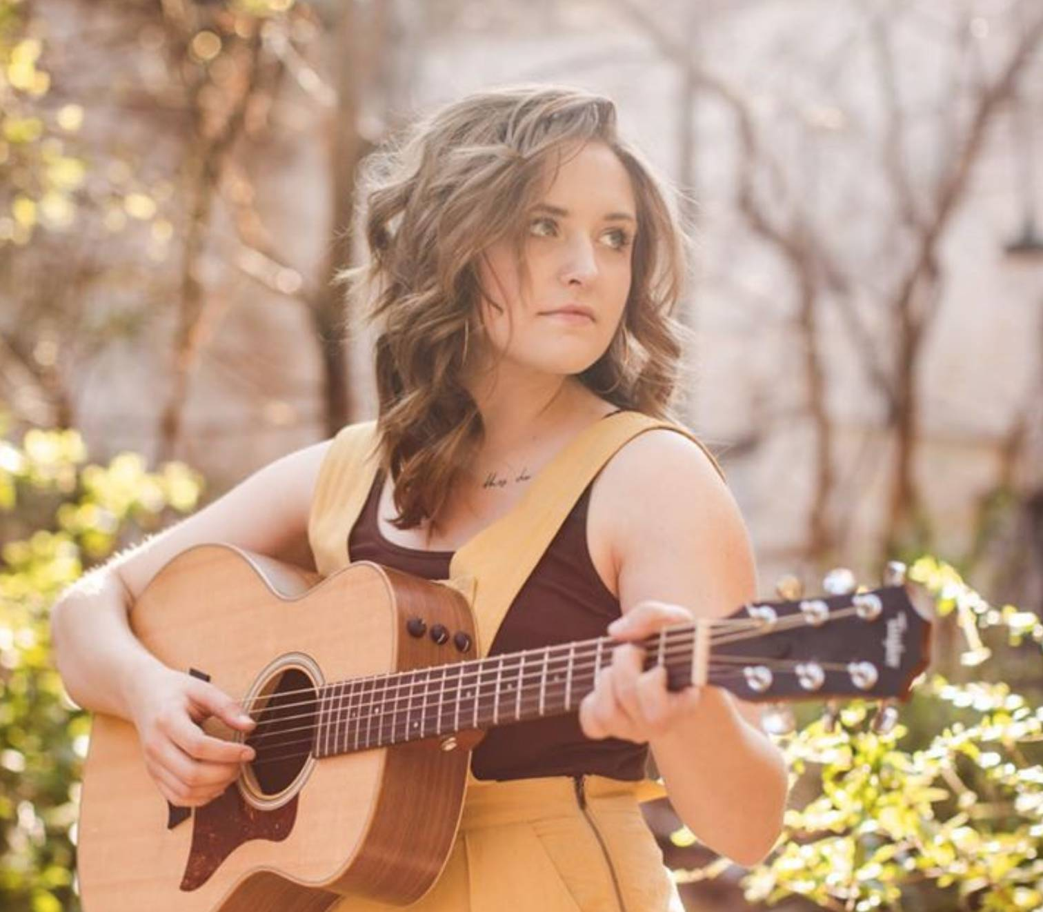 Live Music w/ SarahJayne