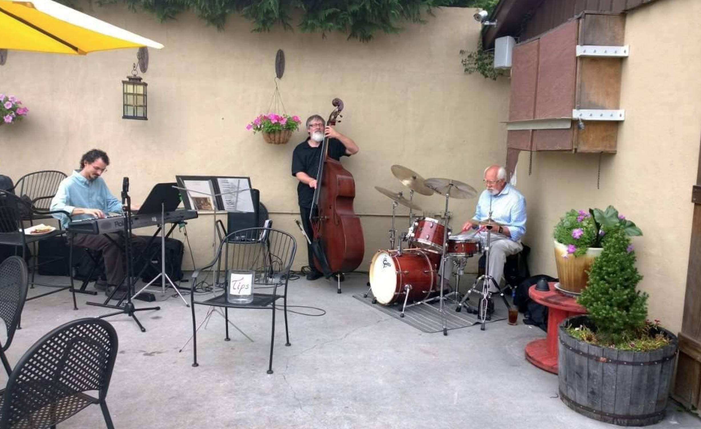 Brunch w/ Live Jazz