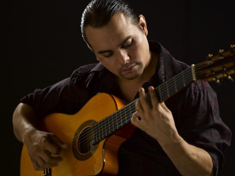 Live Music w/ Luis Banuelos