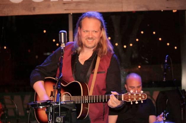 Trevor Finlay Live at Puckett's