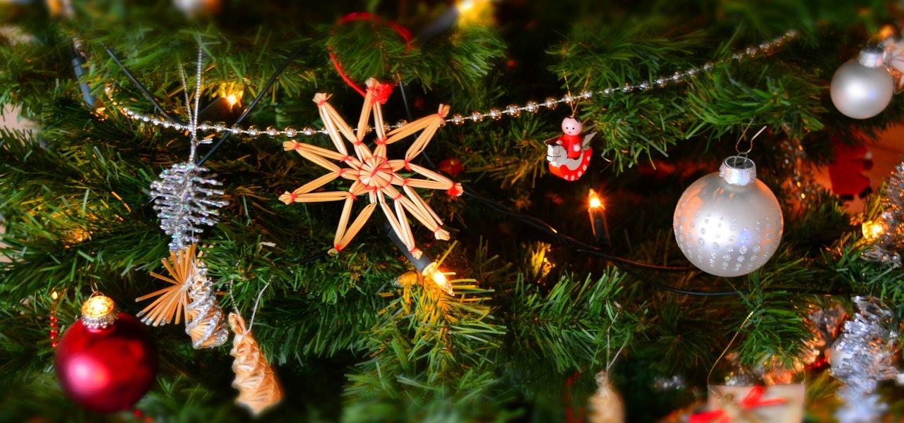 celebration-christmas-christmas-balls-250177.jpg