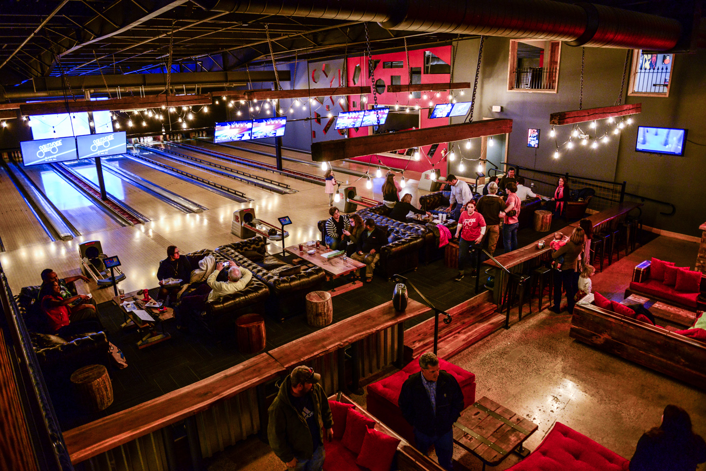 Industry Night: Free Bowling & Happy Hour