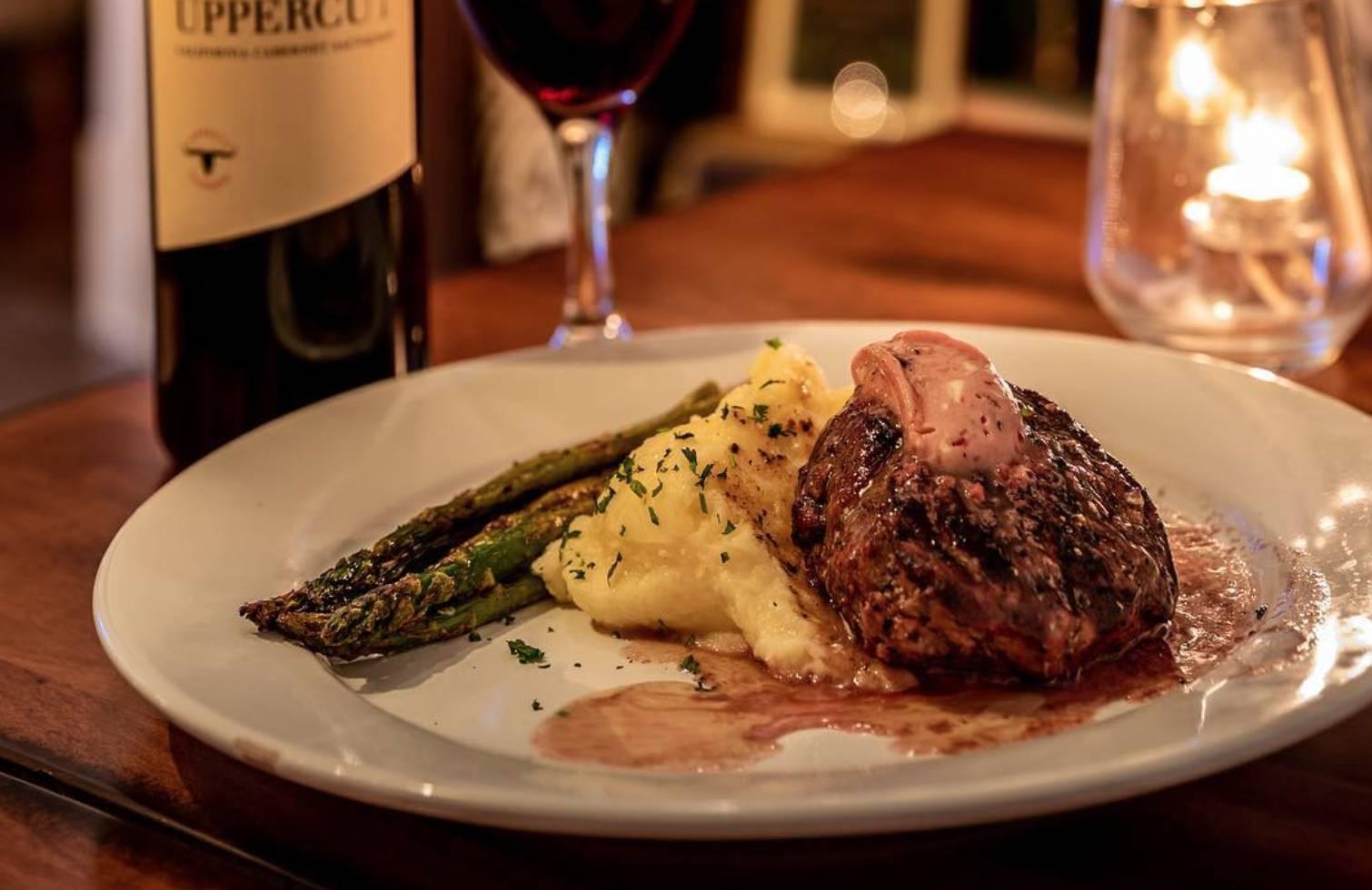 Finn's Irish Restaurant & Tavern