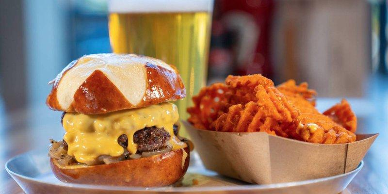 M.L.Rose Craft Beer & Burgers (Melrose)