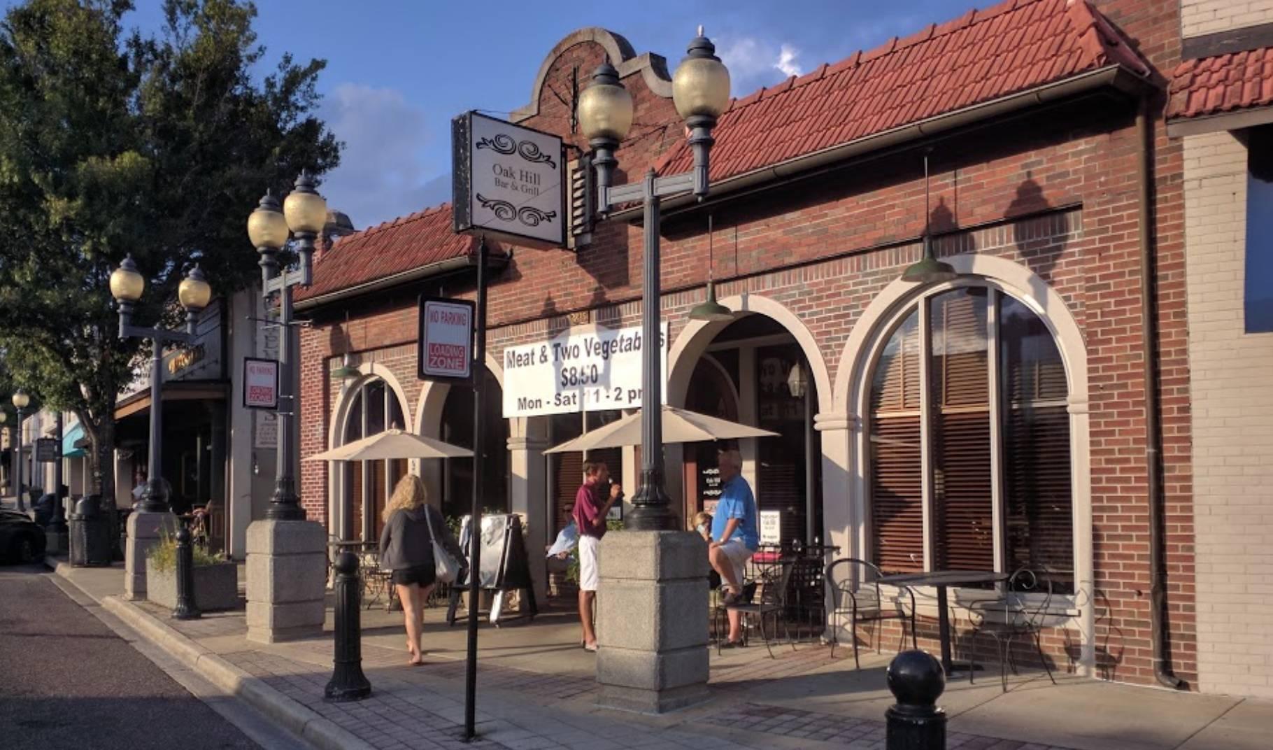 Oak Hill Bar & Grill
