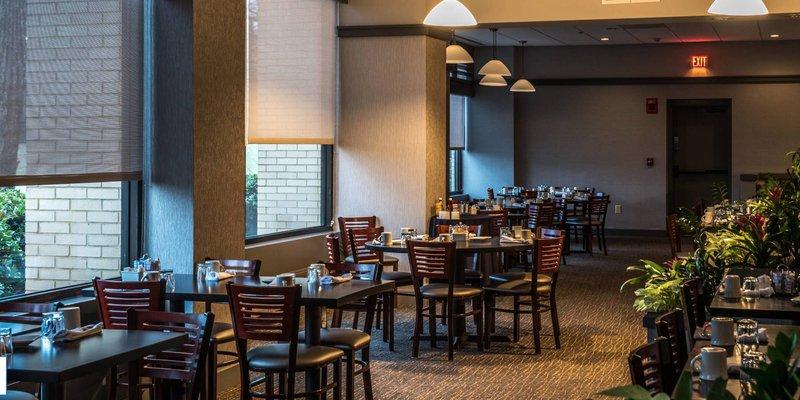 Season's Restaurant at Marriott